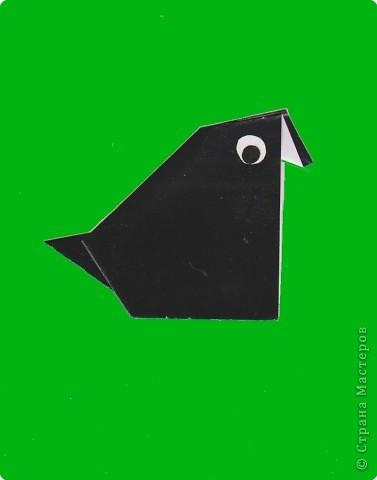 """Продолжаем работать с базовой формой """"треугольник"""".  Наш любопытный Лисенок еле унес ноги. Мама его , как и мама Цыпленка, тоже предупреждала, что не надо приближаться к дачам: там живут собаки. Но Лисенок никогда собак не видел, а наш Щенок совсем не напоминал тех страшных зверей, про которых рассказывала мама.  И вот сейчас он бежал прочь от страшного зверя и его огромных зубов. фото 3"""