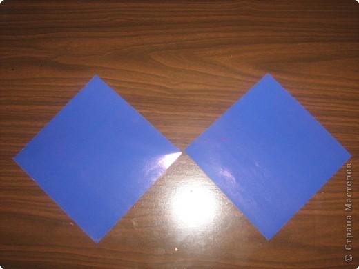 Гномик делается из двух частей:головы и туловища.Поэтому нам необходимы две заготовки квадратной формы. фото 1