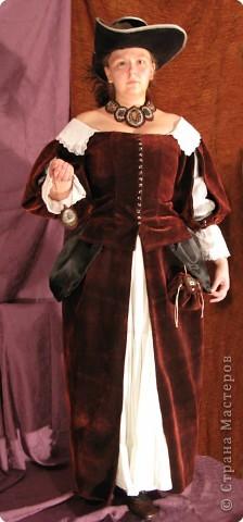 """Роль Элеоноры де Монлор планируется на ролевую игру """"Между орлами и полумесяцем"""". Графиня де Монлор - мадам знатная и не стесненная в средствах, так что костюм делался сложный. фото 1"""