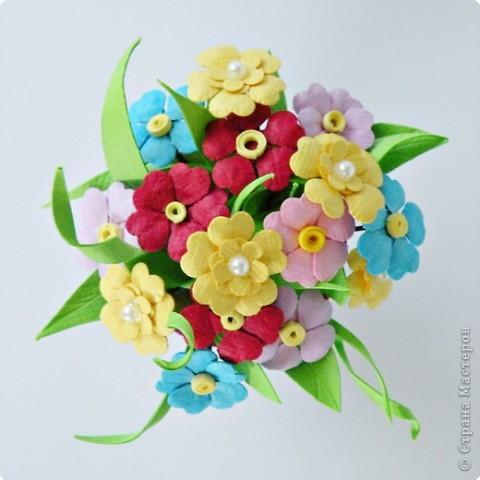 Квиллинг: Миниатюрная вазочка с цветами. фото 9