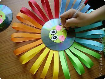 То ли солнце, то ли цветок... захотелось сделать дочке солнце-девочку, с бантиком, радужную и немного в другой технике. фото 8