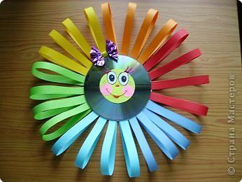 То ли солнце, то ли цветок... захотелось сделать дочке солнце-девочку, с бантиком, радужную и немного в другой технике. фото 1