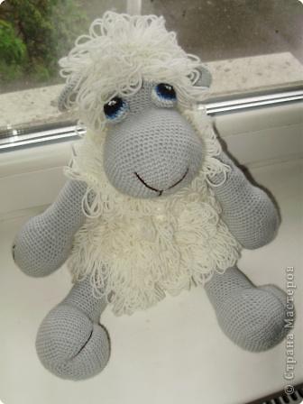 Вот такую замечательную овечку я связала для Наташи Прелесть. Спасибо за описание девочкам с Сатилины.