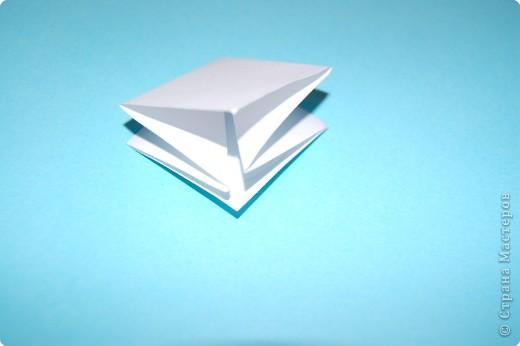 Оригами: жучек-божья коровка. фото 2