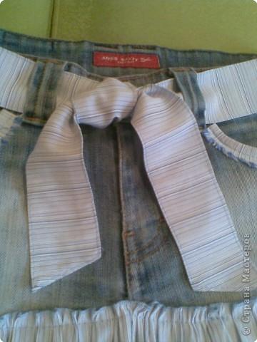 Из низа сшила племяннику джинсы,а из верха юбку. фото 3