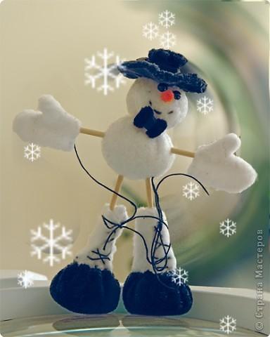 Поздравлял всех с Новым  Годом и Рождеством ... Устал , решил отдохнуть , спал до лета ... Чтобы не растаять , сбежал в Страну Мастеров .