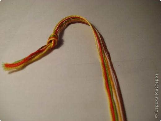Фенечка- брастет дружбы, раньше использовался индейцами, затем- хиппи, а сейчас фенечки делают и носят все кому не лень )) фото 5