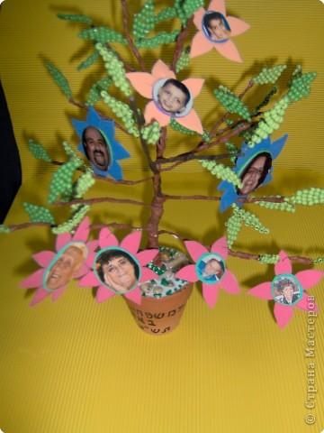 Коллективная работа Поздравление Выпускной День семьи Бисероплетение Моя семья Генеалогическое древо Бисер фото 5.