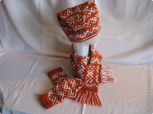 Вязание спицами - Орнаментальное Северный узор шапочки, варежки, шарфы, носки.