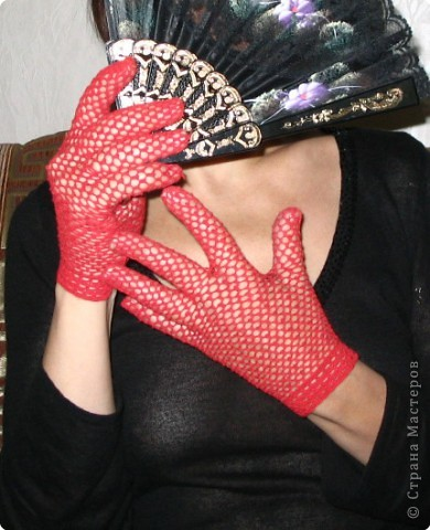 Вязание ажурных перчаток.