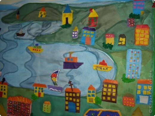 В этом году Владивосток празднует 150-летие, к этому событию мы с детьми  изготовили  коллективную работу, это панорама города, вид на бухту Золотой Рог. фото 5