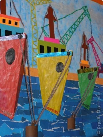 В этом году Владивосток празднует 150-летие, к этому событию мы с детьми  изготовили  коллективную работу, это панорама города, вид на бухту Золотой Рог. фото 14