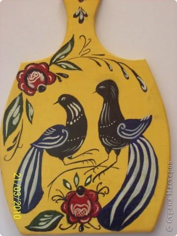 Недавно увлеклась росписью :) Это обычная деревянная доска, росписанная мною в древнерусской технике- Городецкая роспись фото 1