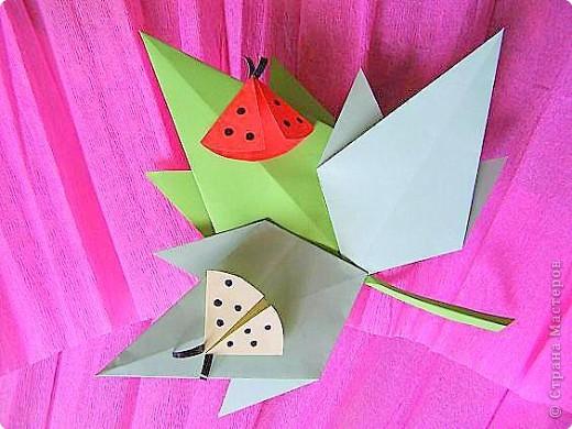 Оригами: Кленовый листок с букашками МК фото 1