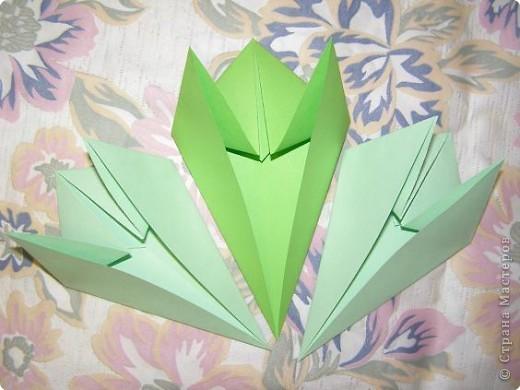Оригами: Кленовый листок с букашками МК фото 6