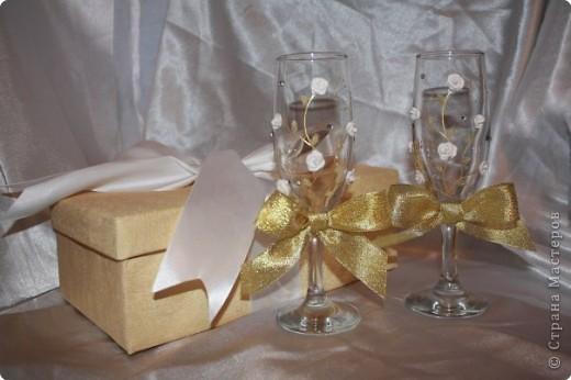 И снова бокалы! Очень понравились золотые бантики! Как только их приклеила, появилась роскошь золота! фото 4