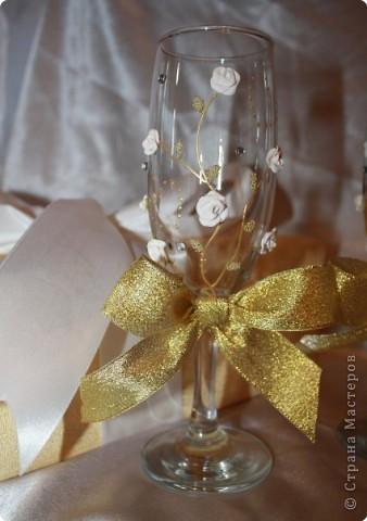 И снова бокалы! Очень понравились золотые бантики! Как только их приклеила, появилась роскошь золота! фото 5