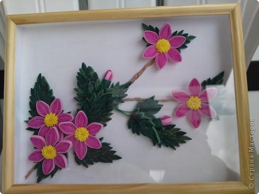 Квиллинг: Розовые цветы на ветке