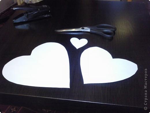Вот такого забавного слоника можно сделать из простых сердечек. А детки весьма охотно участвуют в процессе его изготовления. фото 3