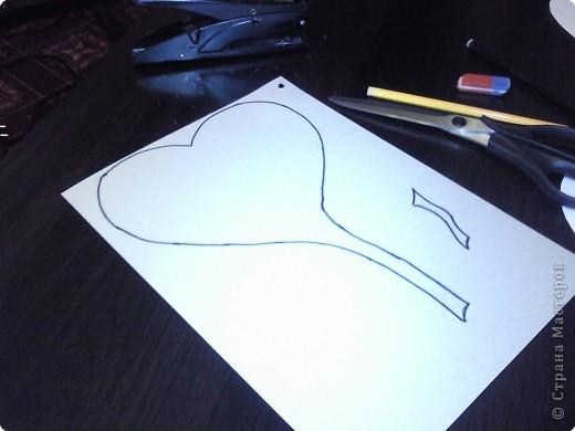Вот такого забавного слоника можно сделать из простых сердечек. А детки весьма охотно участвуют в процессе его изготовления. фото 5