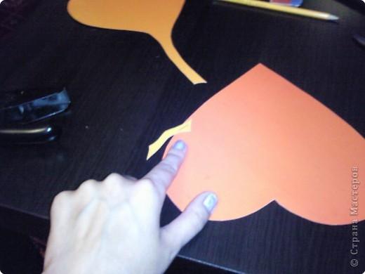 Вот такого забавного слоника можно сделать из простых сердечек. А детки весьма охотно участвуют в процессе его изготовления. фото 8