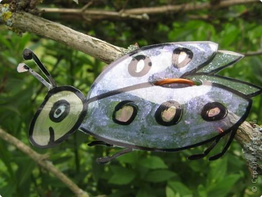 Мы благодарны всем мастерицам, которые привнесли в Страну идею поделок-бабочек  из пластиковых бутылок. Вот это наша живность :-). Это черепашка. фото 7