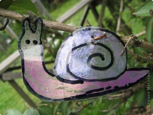 Мы благодарны всем мастерицам, которые привнесли в Страну идею поделок-бабочек  из пластиковых бутылок. Вот это наша живность :-). Это черепашка. фото 5