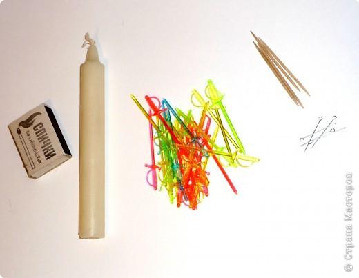 Цветы из пластиковых зубочисток для примера прикрепила к домику (размер домика примерно как полтора спичечных коробка). фото 3