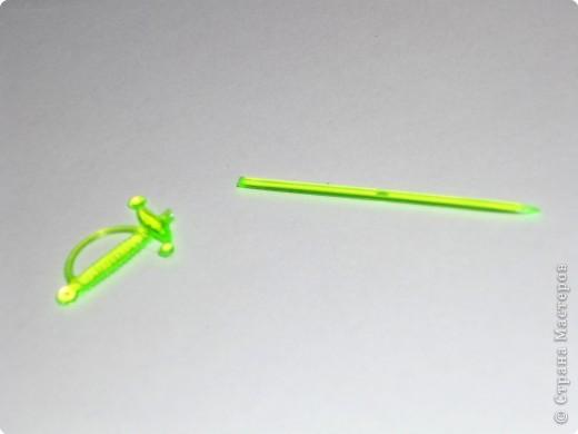 Цветы из пластиковых зубочисток для примера прикрепила к домику (размер домика примерно как полтора спичечных коробка). фото 12
