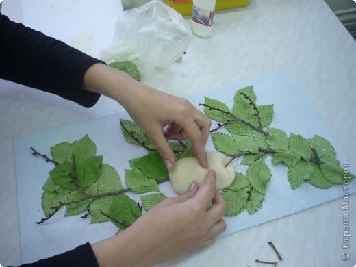 Яблоки аналогично рябине выполняются, но фото немного оказалось. 1. Эскиз. 2. Рамка и основа. 3. Подбор материала. фото 5
