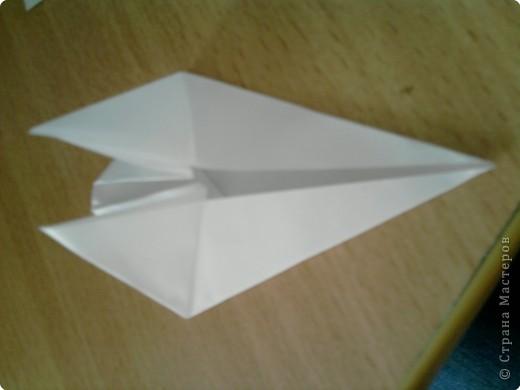Квадрат сгибаем по полам.  фото 6