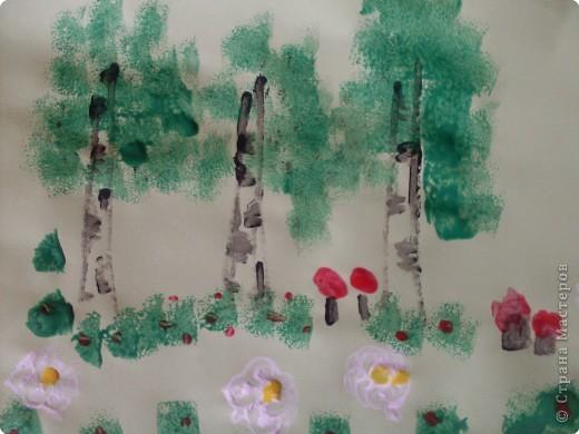 Рисовать я не умею,попытались Софийкиными ладошками изобразить зайца фото 3