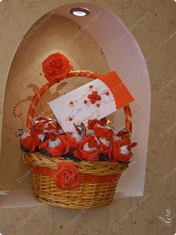 Свит-дизайн Свадьба Моделирование конструирование Букет из конфет Бумага гофрированная Ленты Пенопласт фото 1
