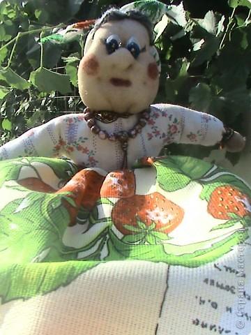 Ещё одна работа на которую вдохновила Ликма. Кукла-пакетница и полотеничница (мешок для пакетов под полотенцем). фото 1