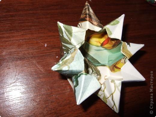 Я думаю, всем надоедают обычные и банальные формы мыла.. У некоторых они не такие уже и обычные, но всегда заливать массу в одно и тоже - скучно.. Я решила поэкпериментировать..)* Те, кто хорошо вник в искусство оригами смогут сделать много сверх необычного ^^ думаю, вас заинтересует;)) фото 1