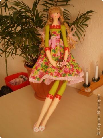 Цветочница. Теперь шью сразу по две куклы. Дошила сестренку для садовницы. фото 1