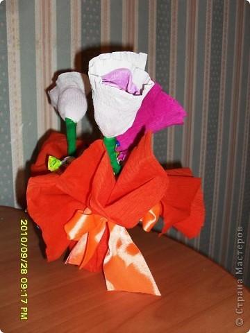 Мы с дочерью решили поздравить учителей не традиционными букетами цветов и конфетами, а вот такими букетиками из конфет. фото 4