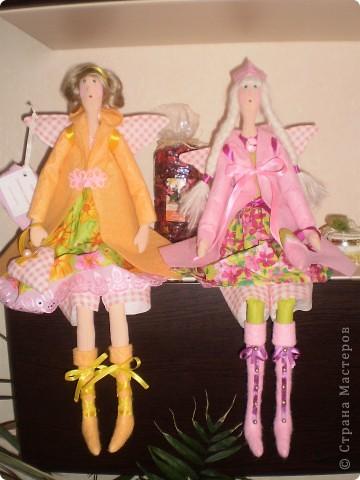 Розовый ангел в пальто фото 3
