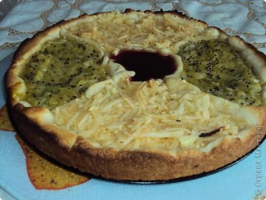 Песочный пирог с яблоками и киви