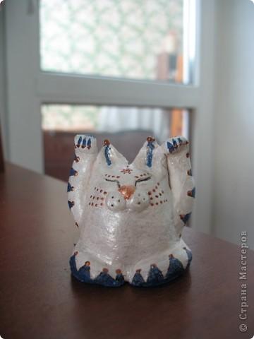 Мой первый и любимый кот-дракон ....правда немного кривенький, но всё равно любимый))) Глина, акрил, Контурный акрил, гелевая ручка. фото 1