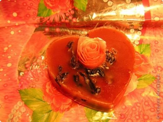 Состав: мыльная основа прозрачная, масло апельсиновое, оливковое, розы, гранатовый сок фото 1