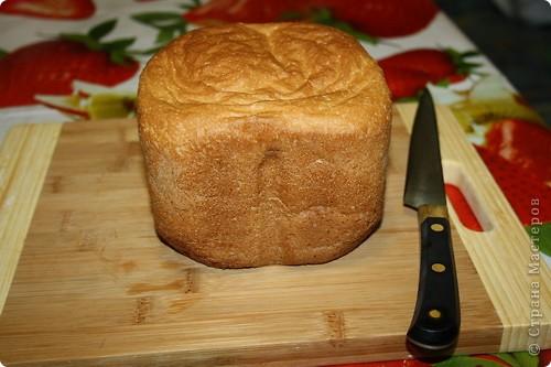 Наверное, МК никому не пригодится, к тому же уже есть странички с рецептами, но просто очень хочется показать. Если и правда будет ненужен, переименую в фоторепортаж:) Просто, надеюсь, интересно посмотреть? МК как печь хлеб в хлебопечке:))))) Вроде всё понятно без комментариев? Это самый-самый простой рецепт.  фото 1