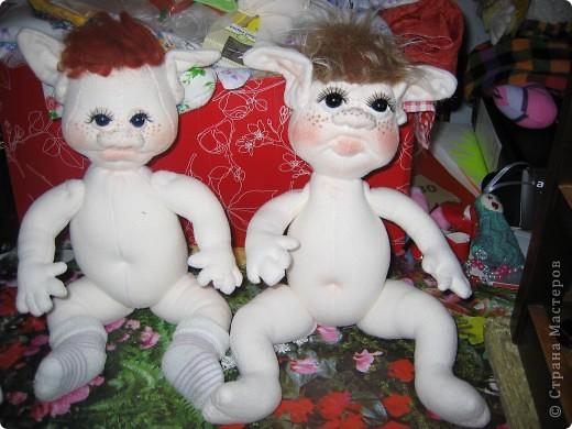 Жил был тролик Моня.Ел яблочки и скучал. Однажды написала тетя Лена,что хочет усыновить Моню,да не одного.а сразу двоих....А ведь у Мони-то братика не было..... фото 3