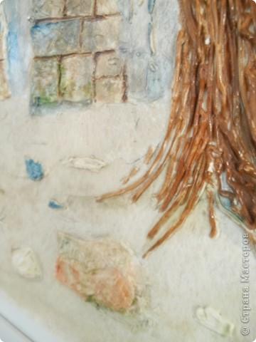 Работы выполнены из обычной  финишной шпаклевки (уже готовой). Выполняются различные рельефности по поверхности (чем угодно, насколько хватит фантазии) после высыхания красятся гуашью и покрываются бесцветным мебельным лаком. Такие панно можно выполнять прямо на стене. фото 6