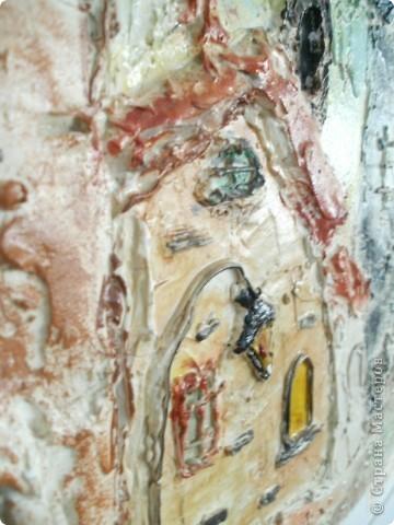 Работы выполнены из обычной  финишной шпаклевки (уже готовой). Выполняются различные рельефности по поверхности (чем угодно, насколько хватит фантазии) после высыхания красятся гуашью и покрываются бесцветным мебельным лаком. Такие панно можно выполнять прямо на стене. фото 8