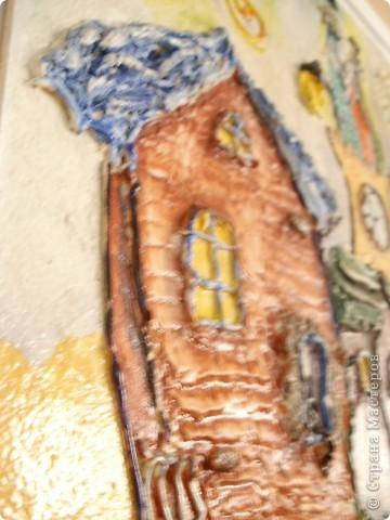 Работы выполнены из обычной  финишной шпаклевки (уже готовой). Выполняются различные рельефности по поверхности (чем угодно, насколько хватит фантазии) после высыхания красятся гуашью и покрываются бесцветным мебельным лаком. Такие панно можно выполнять прямо на стене. фото 13