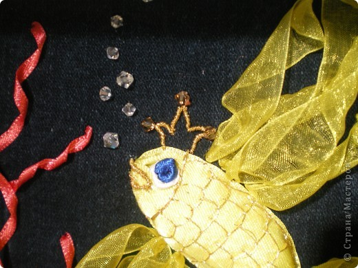 Наконец закончила свой аквариум!!!Хочу выразить благодарность Татьяне Улановой по её видео-урокам я вышивала аквариум http://kp.ru/video/425291/ !И ещё одна благодарность  lyna http://stranamasterov.ru/blog/12906  за то что она  посоветовала посмотреть эти видео-уроки и дала адрес странички!!! фото 2