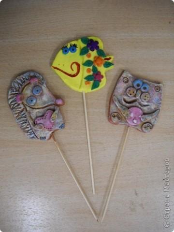 Это мои украшения для цветочных горшочков на шпажках. фото 6