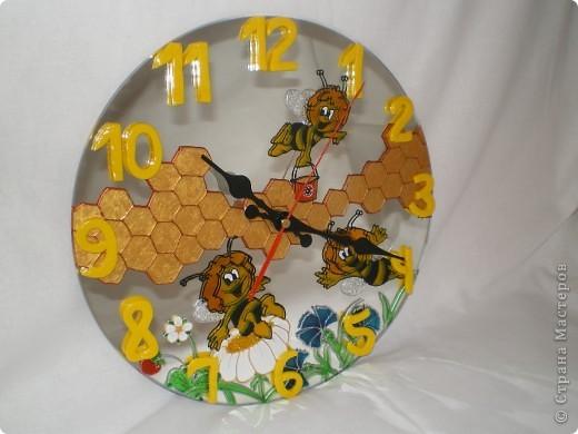 """Часы """"Пчелки"""" (фото со вспышкой) фото 1"""