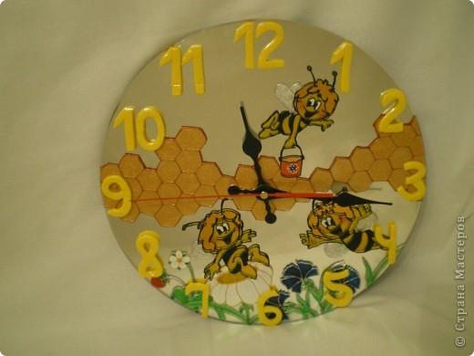 """Часы """"Пчелки"""" (фото со вспышкой) фото 2"""